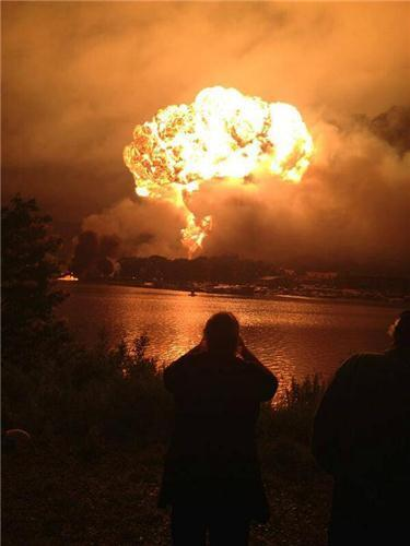 July 6 2013 Runaway Crude Oil Tanker Train Wreck & Explosion - Lac-Megantic